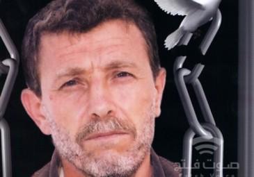 40 عاماً خلف القضبان.. نائل البرغوثي يُضيء شمعته الـ 62 في سجن بئر السبع