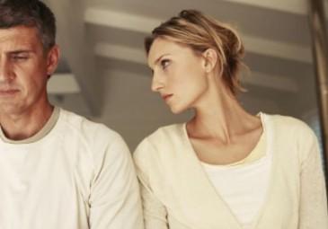 8 أسباب تجعل النساء يتحدثن أكثر من الرجال ماهي ؟